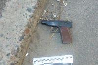 В Киеве вооруженные пистолетом студенты избили и ограбили мужчину