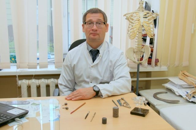 Технологии позволяют вкраплять наночастицы серебра и меди, которые снимают воспаление в кости.
