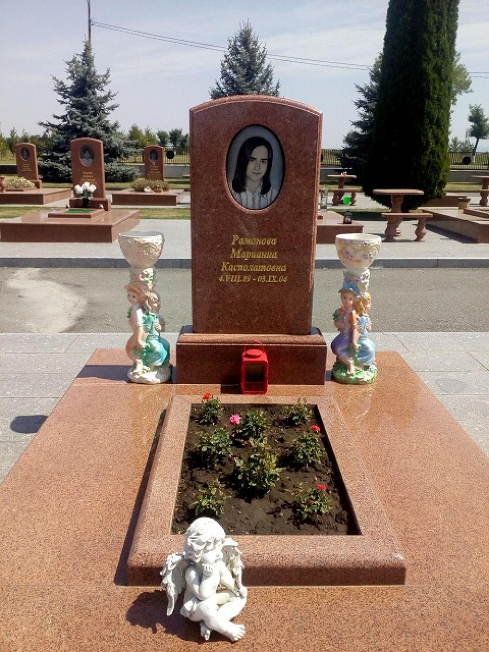 Все могилы в идеальном состоянии.