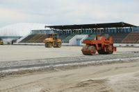 На городском стадионе Чебаркуля полным ходом идут ремонтные работы.