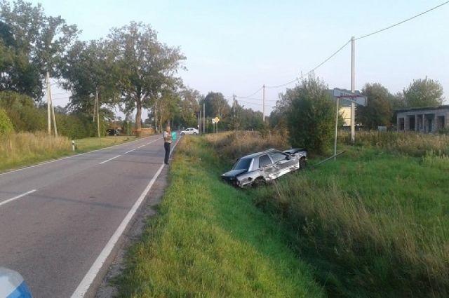 В Гурьевском районе водитель пострадал при опрокидывании автомобиля