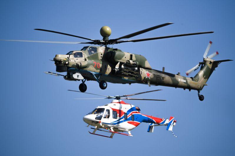 Вертолеты Ми-28НМ (сверху) и «Ансат-У».