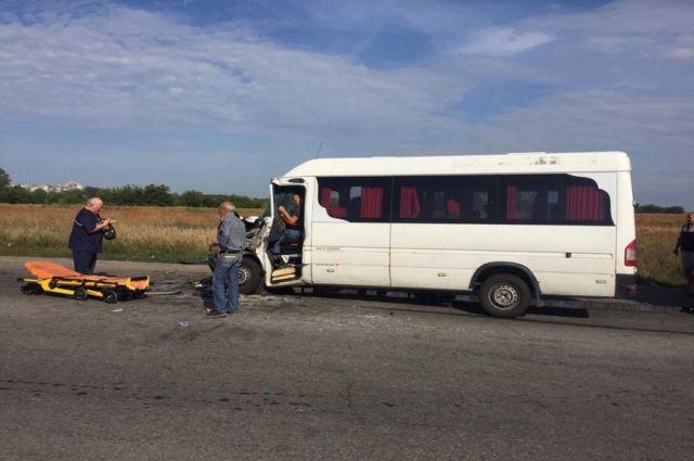 Масштабное ДТП в Днепропетровской области: пострадали более 10 человек