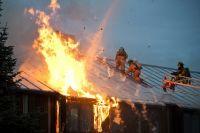 В Тюмени на ул. Ямской сгорел жилой дом