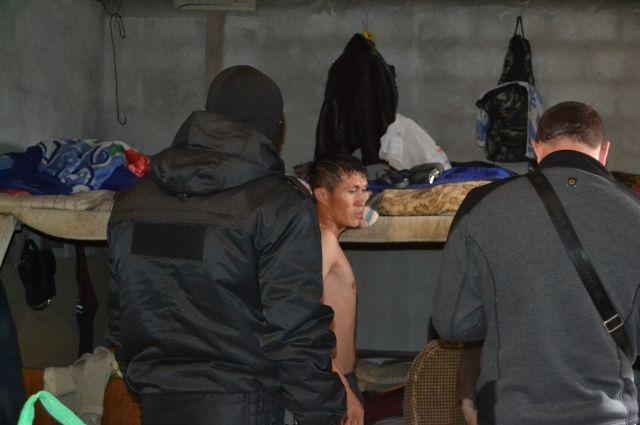 В Оренбургском районе задержаны трудовые мигранты.