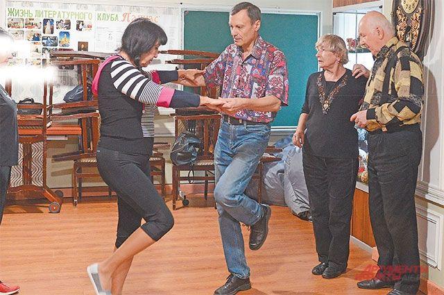 Танцы – традиционно одно из самых востребованных направлений занятий у пенсионеров района.