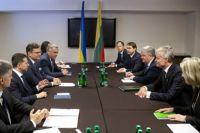 Курс на евро: Зеленский встретился с президентом Литвы
