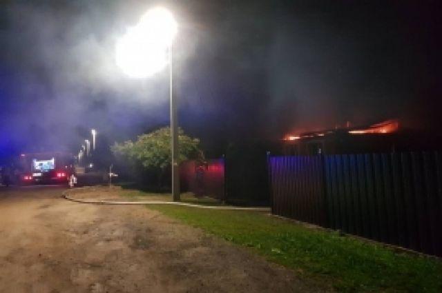 В Гвардейском ГО на пожаре пострадал человек