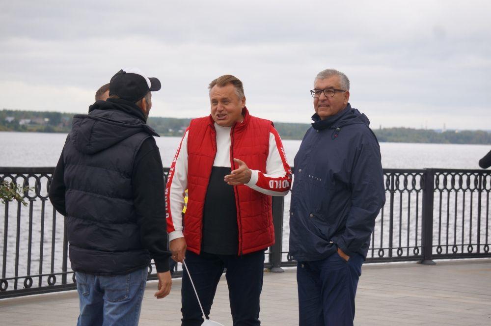 Поздравить активных жителей приехали председатель гордумы Юрий Уткин и депутат Госдумы Игорь Сапко.
