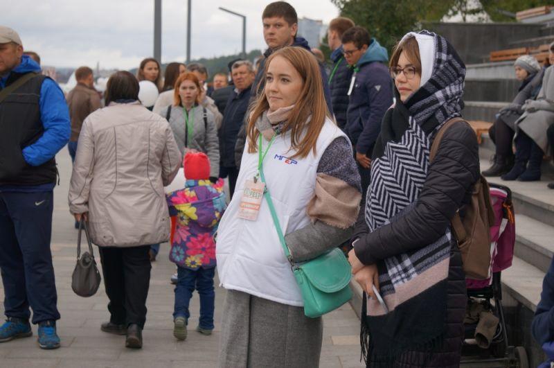 Пермяков не испугал даже холод: одевшись потеплее, они пришли на городской праздник.