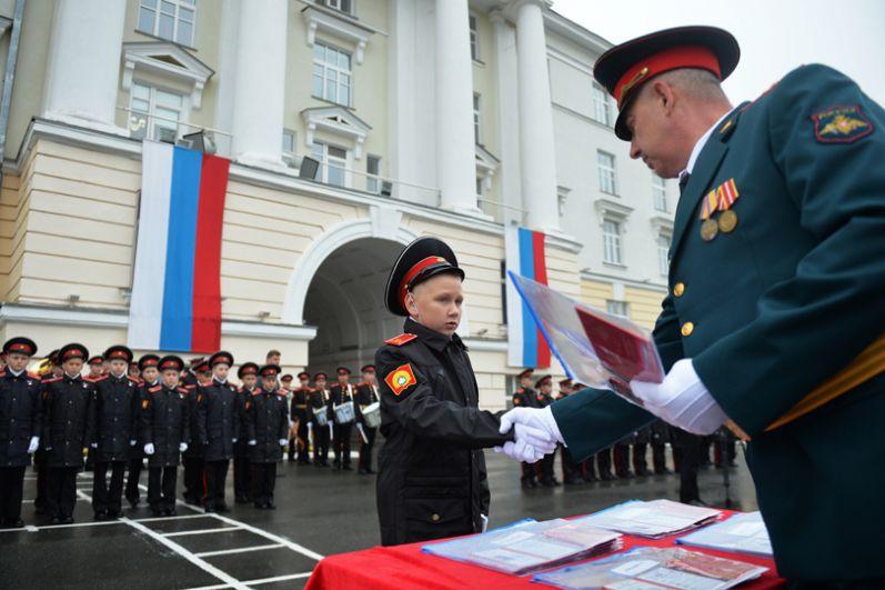 Торжественная церемония посвящения в суворовцы Екатеринбургского суворовского училища.
