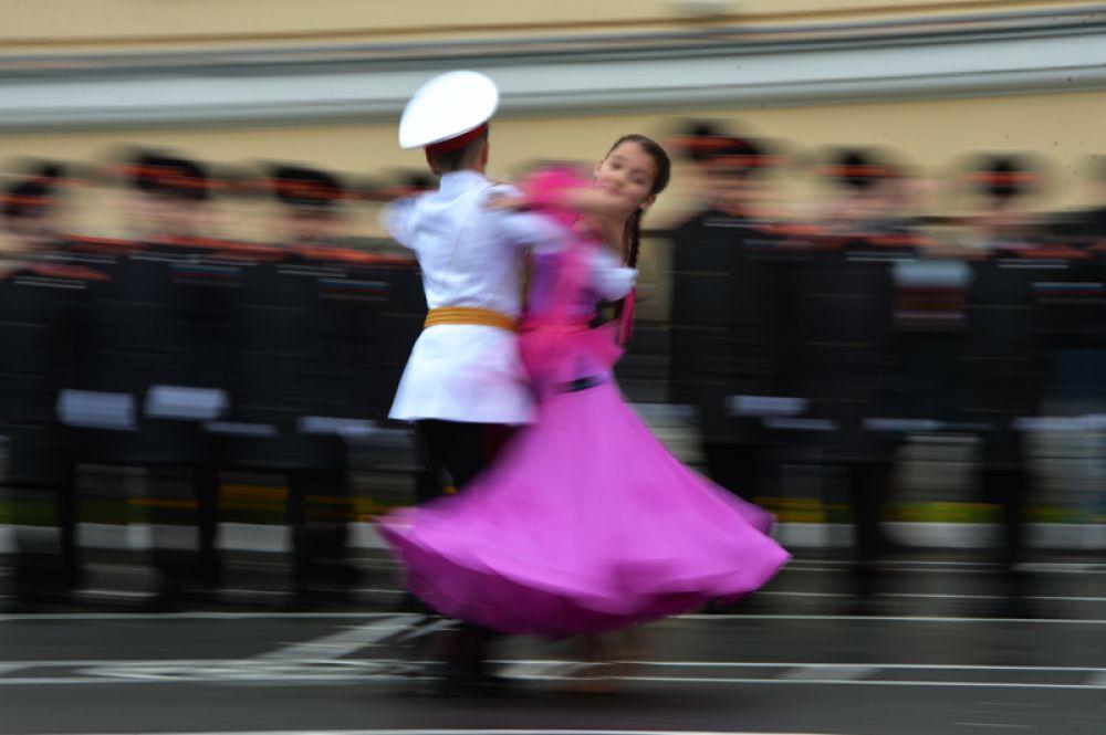 На торжественной церемонии посвящения в суворовцы Екатеринбургского суворовского училища на праздновании Дня знаний.