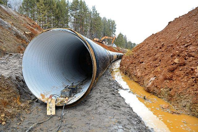 Уже в 2020 году по этой трубе будут передвигаться огромные массы воды.