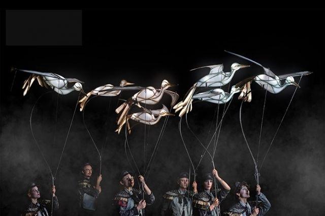 Светящиеся птицы пролетят над улицей Вавилова.