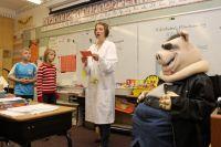 Многое зависит от учителя - насколько грамотно, профессионально он даёт предмет.