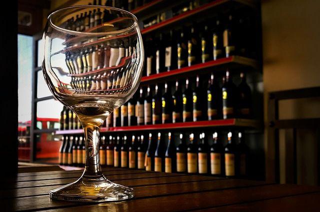 Владелец бара в Удмуртии оштрафован за рекламу алкоголя