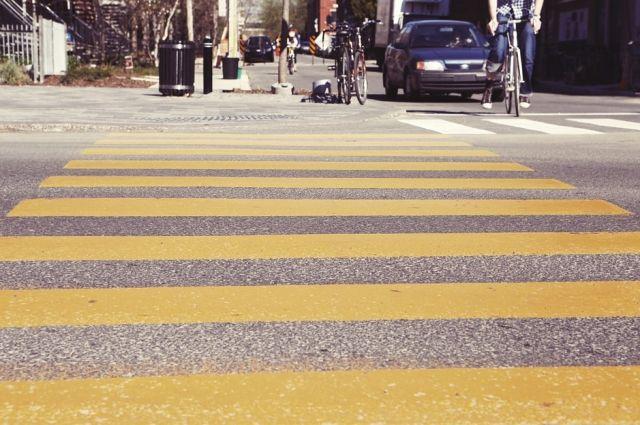 В Салехарде пешеход попал под колеса иномарки