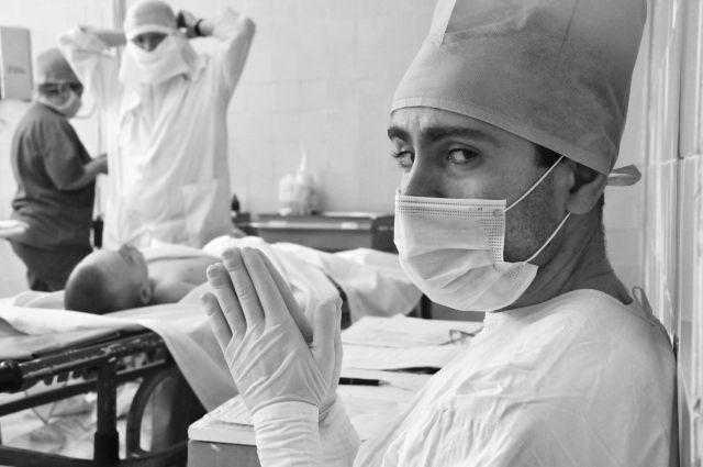 Мастер приоткрывает завесу повседневной работы врачей.