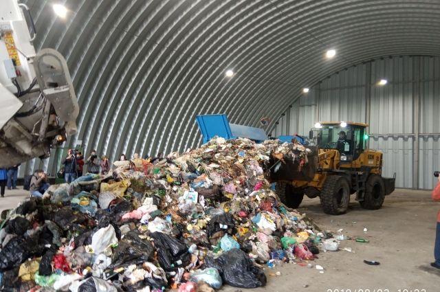 Суд Москвы начал рассматривать дело о тарифах на мусор в Омске
