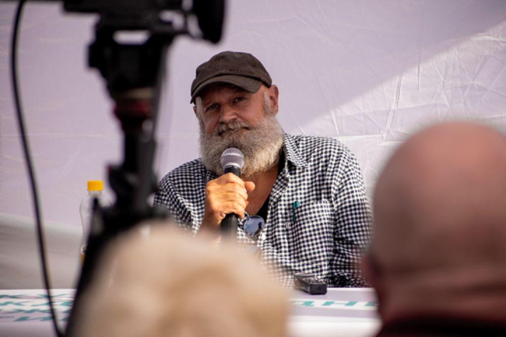 Был среди спикеров и Эрленд Лу – известный норвежский писатель и сценарист.