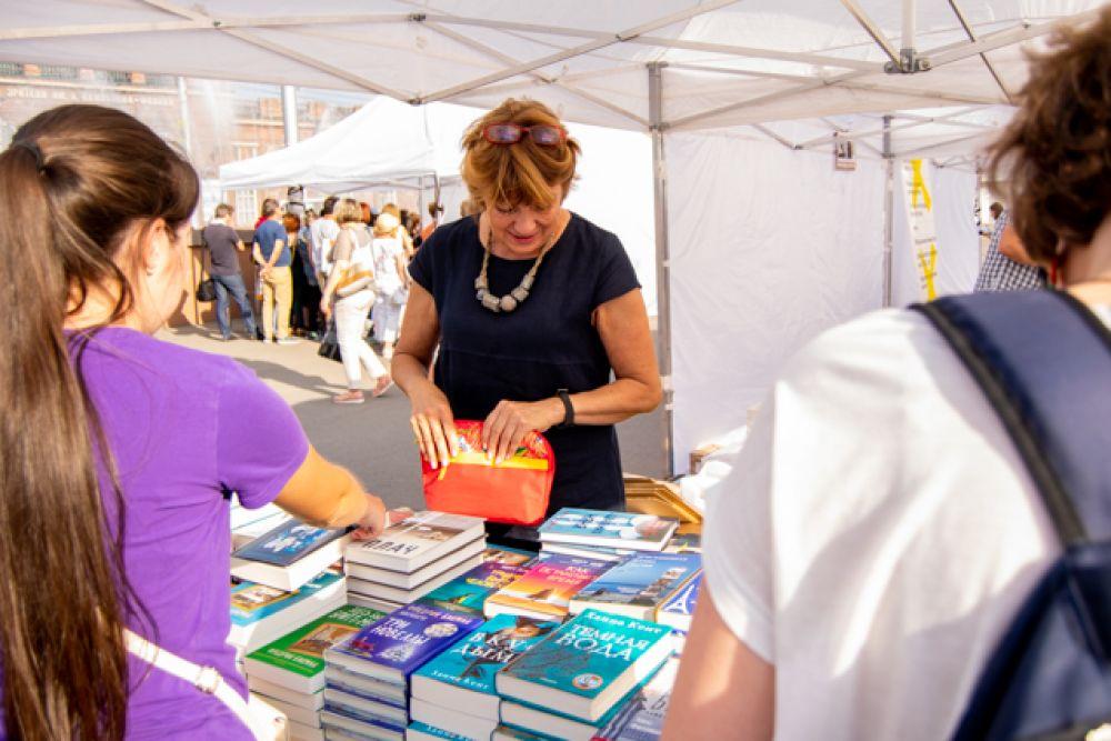 Во время фестиваля прошёл сбор книг для библиотек населённых пунктов Иркутской области, пострадавших от наводнения.