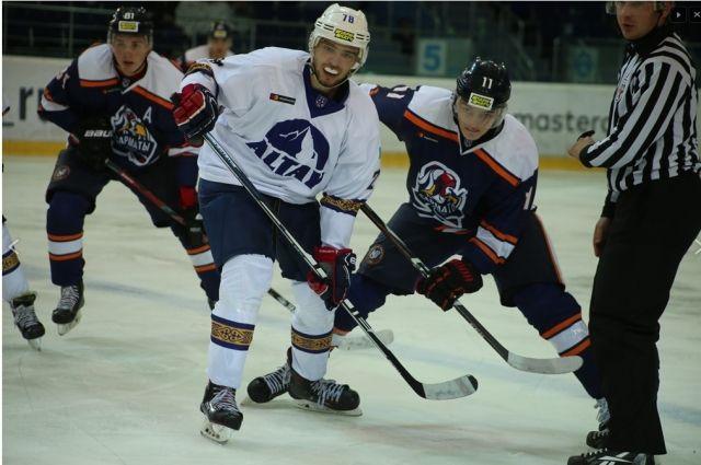Оренбургские «Сарматы» начали новый сезон в МХЛ с победы и поражения