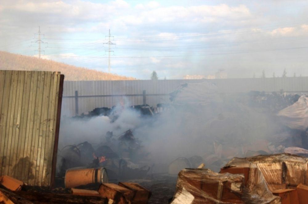 Площадь пожара на базе НПО «Экология» составила 150 кв. м