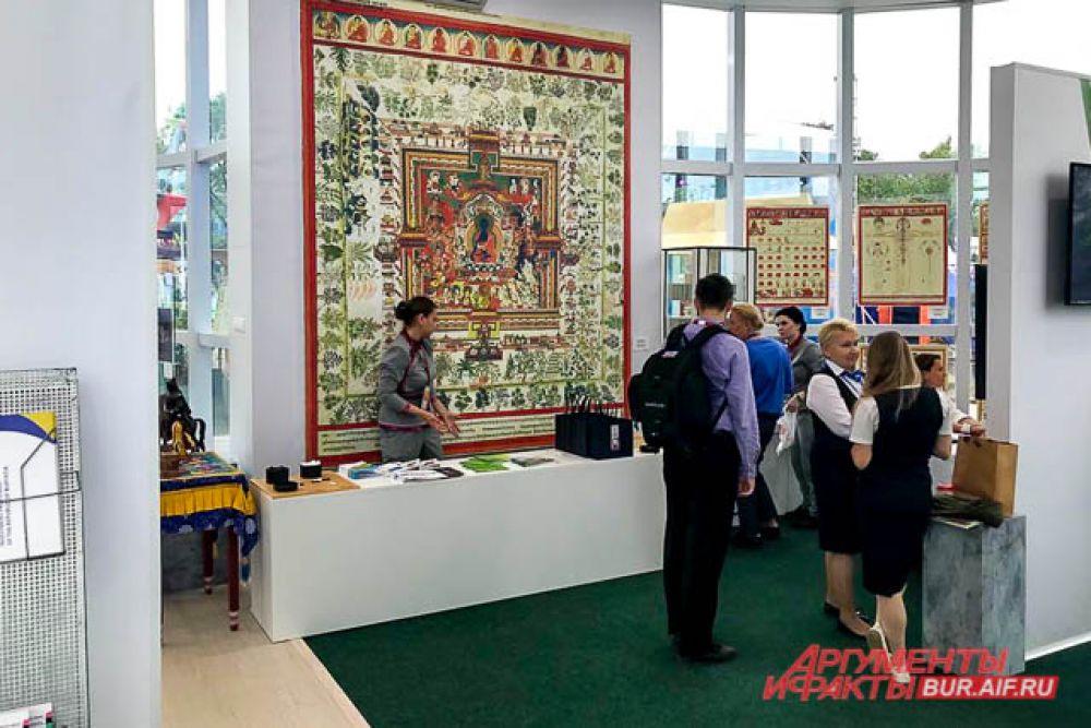 По традиции на форуме организовали выставку «Улицы Дальнего Востока», где каждому региону-участнику выделили отдельный павильон.