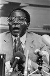 Мугабе в должности премьер-министра, 1982 год.