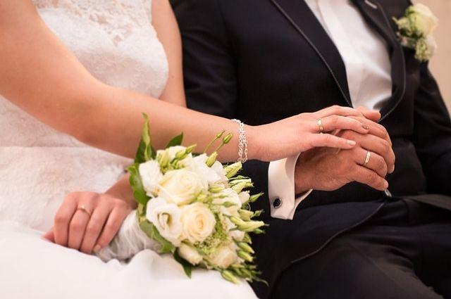 Итоги лета: август 2019 года выдался самым свадебным месяцем у тюменцев