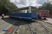В Орске трамвай сошел с рельсов и перегородил часть проспекта Ленина.