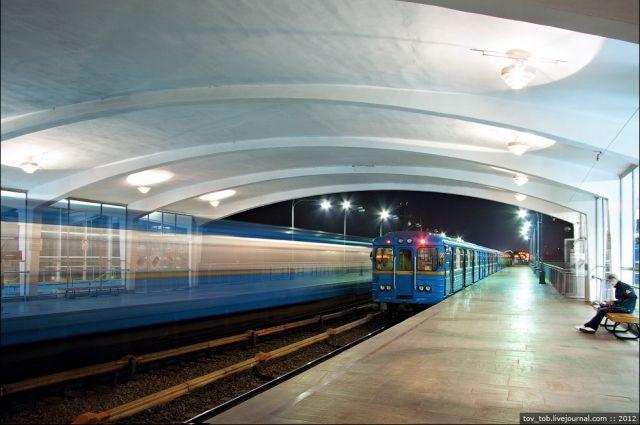 В центре Киева завтра ограничат работу метро