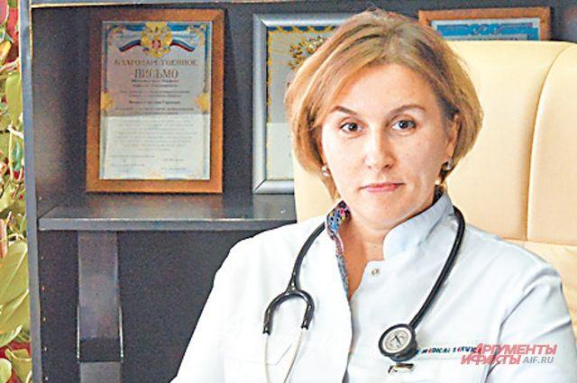 Специалисты поликлиники № 130 проводят беседы сродителями, которые не уверены внеобходимости вакцинации.