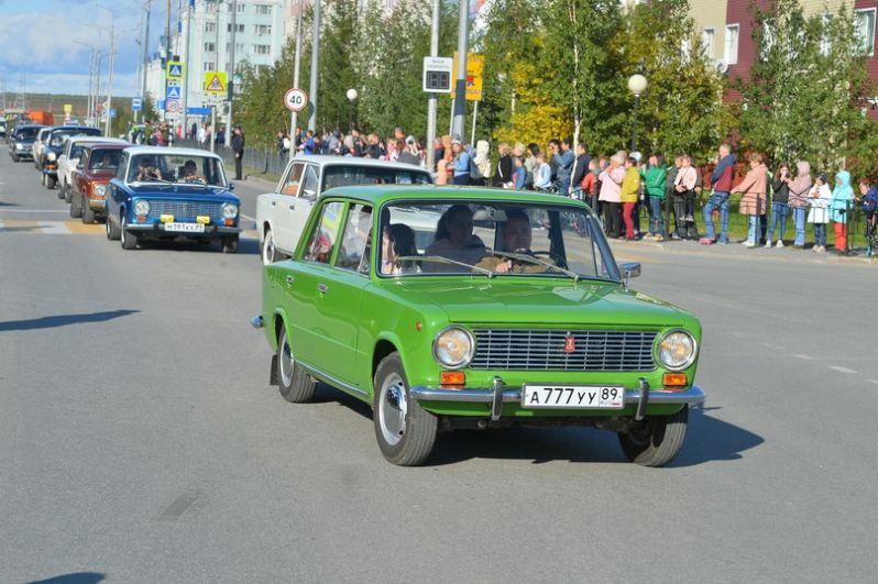 Вот уже несколько лет в День города проходит парад ретро автомобилей «Ретроспектива».