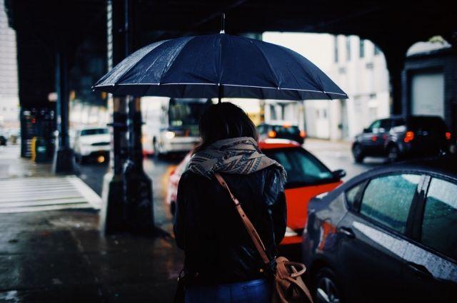 Вторжение холодного арктического воздуха будут сопровождать осадки в виде дождя и небольшие порыв ветра.