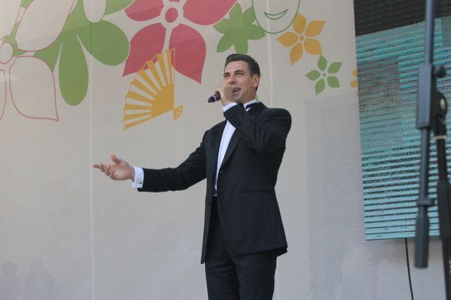 Дмитрий Дюжев провел творческую встречу с воронежцами