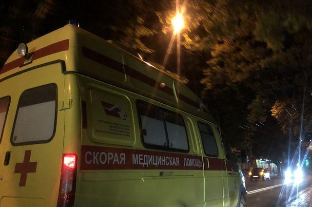 Женщину увезли в больницу.