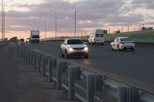 В Тюмени возобновили движение на мосту по улице Челюскинцев