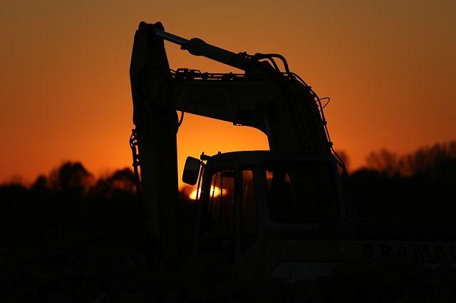 Археологов, работающих на картодроме, омичи приняли за строителей