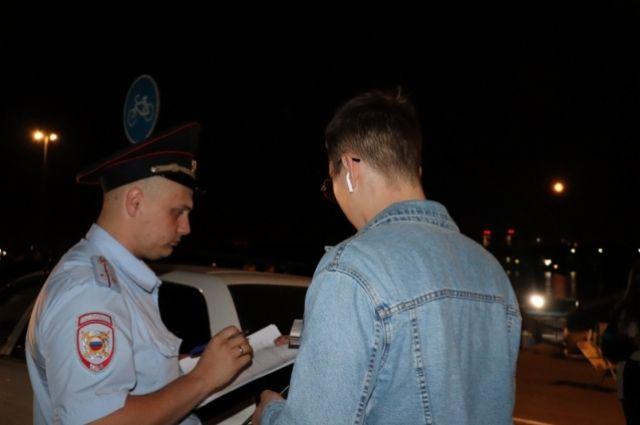 По данным полиции, нелегалы планировали жить и работать в Норильске.