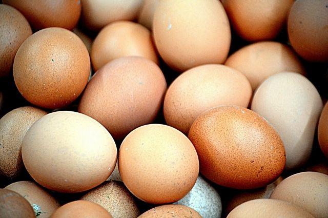 В магазине Аксарки мужчина купил яйца с плесенью
