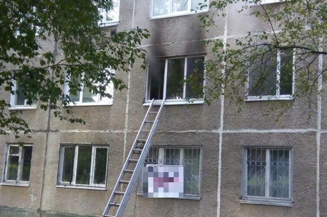 Сообщение о пожаре поступило на пульт дежурного в 13:08.