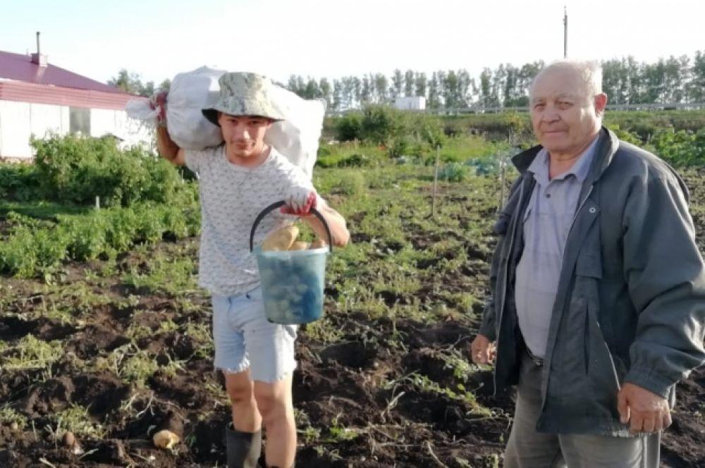 Участник №2 Гавриил Котов: «Сделали запас картофеля на целый год»