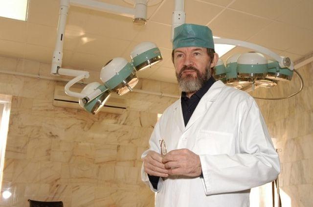 Вадим Касаткин проводил по 500 операций в год, средняя продолжительность каждой примерно 12-15 часов