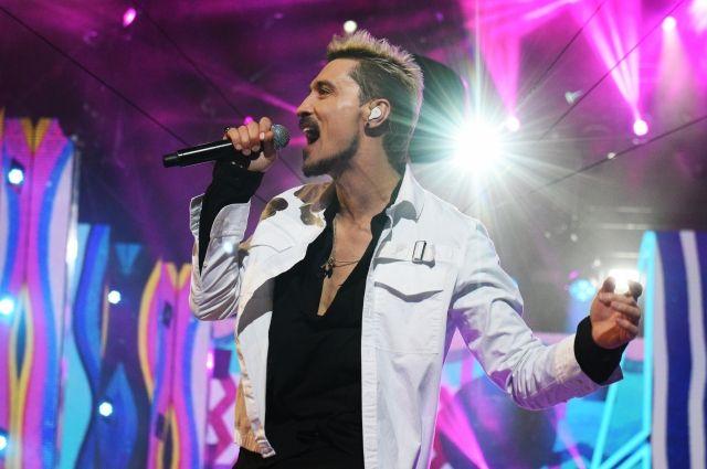 «Выпил, нерассчитал»: Дима Билан извинился за«пьяный» концерт вСамаре