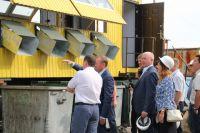 Содержание контейнерных площадок во дворах, а также в частном секторе не входит в обязанности регоператора.