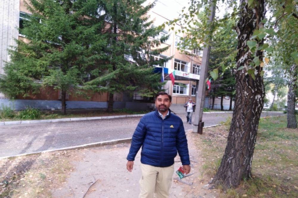 В Казани одним из первых проголосовал пакистанец, получивший в этом году российское гражданство.