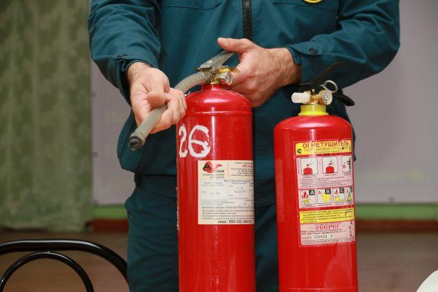 Если вы понимаете, что не можете самостоятельно справиться с огнем, немедленно сообщите  по тел. 101.