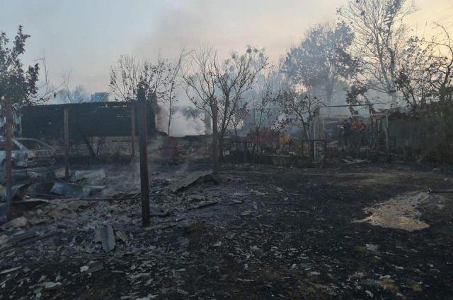 Жгли мусор: под Киевом сгорела часть села