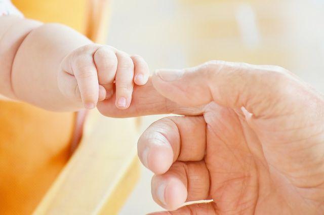 Отец не мог узнать даже о состоянии здоровья родного ребёнка.